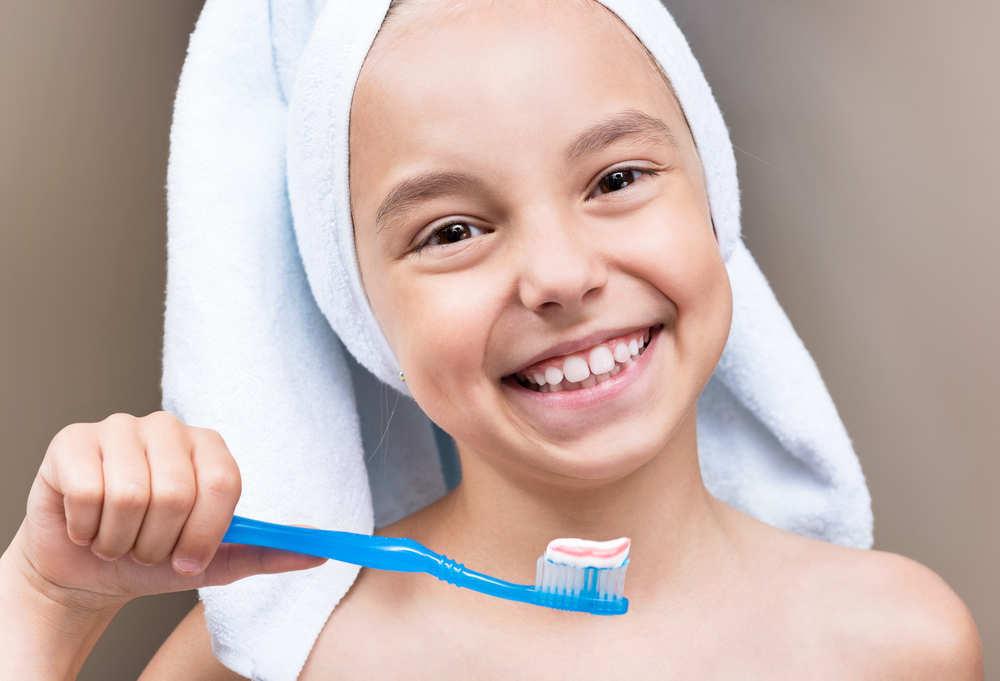 ¿Cómo convencer a los niños para que se laven sus dientes?